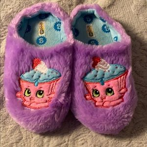 Shopkins slippers size 2-3 (fit small)